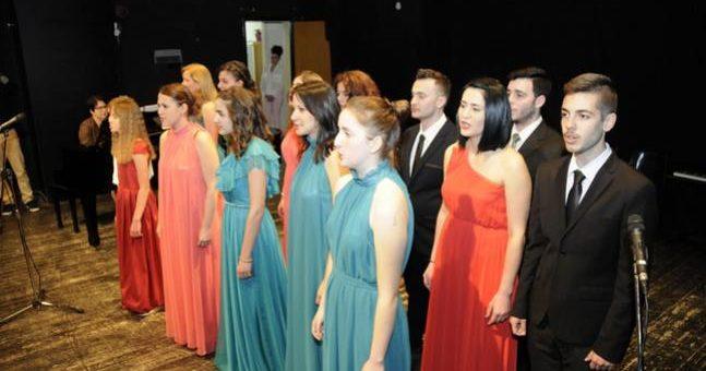 180 μαθητές του Ωδείου Δ. Κόψα ανέβηκαν στη σκηνή του ΡΕΞ